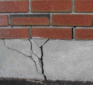 crack-in-foundation-359x327